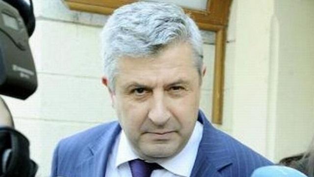 Cei 675 de aleși pe care legile lui Florin Iordache îi curăță de incompatibilități și conflicte de interese