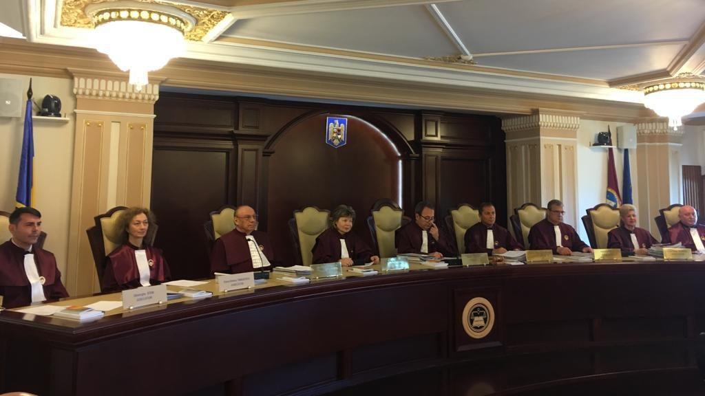 CCR, palmă în unanimitate pentru SRI pe legea cartelelor prepay doar cu buletinul