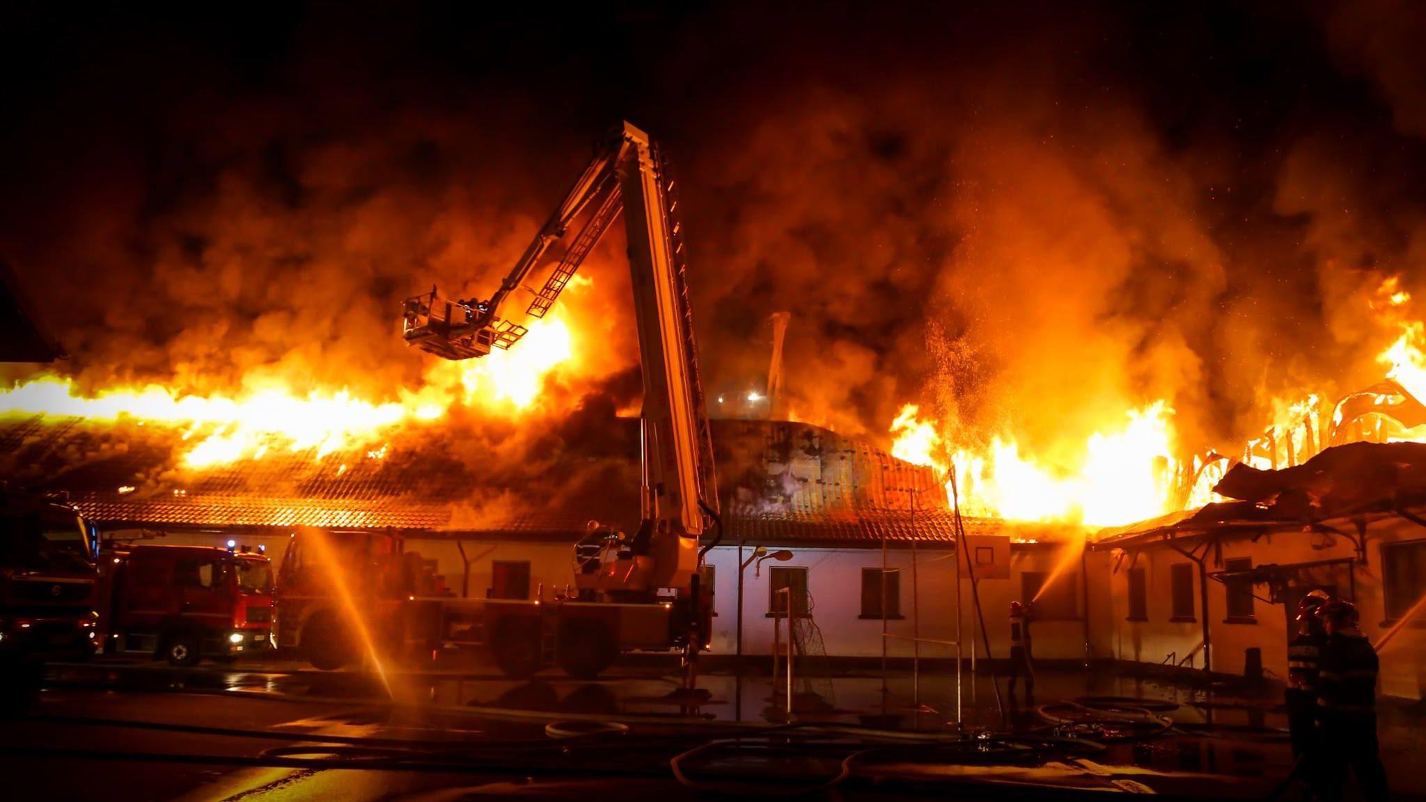 Gunoiul sub preș: autorizația ISU de securitate la incendiu nu mai este necesară la acreditarea școlilor