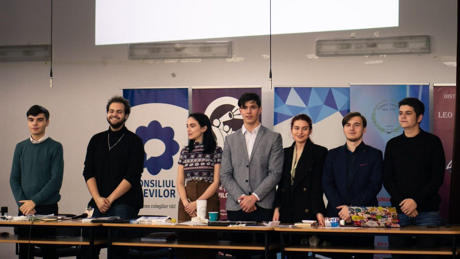 Consiliul Național al Elevilor condamnă programul Euro 200 inițiat de Guvernul României