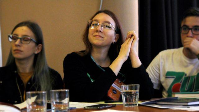 Bursele elevilor din judeţul Bacău – încă un vis