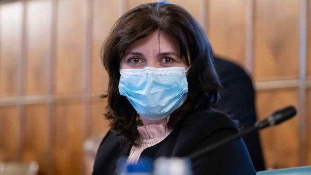 Ce va face Monica Anisie? Un an de mandat în care doamna ministru ar fi trebuit să fie și cadru didactic.