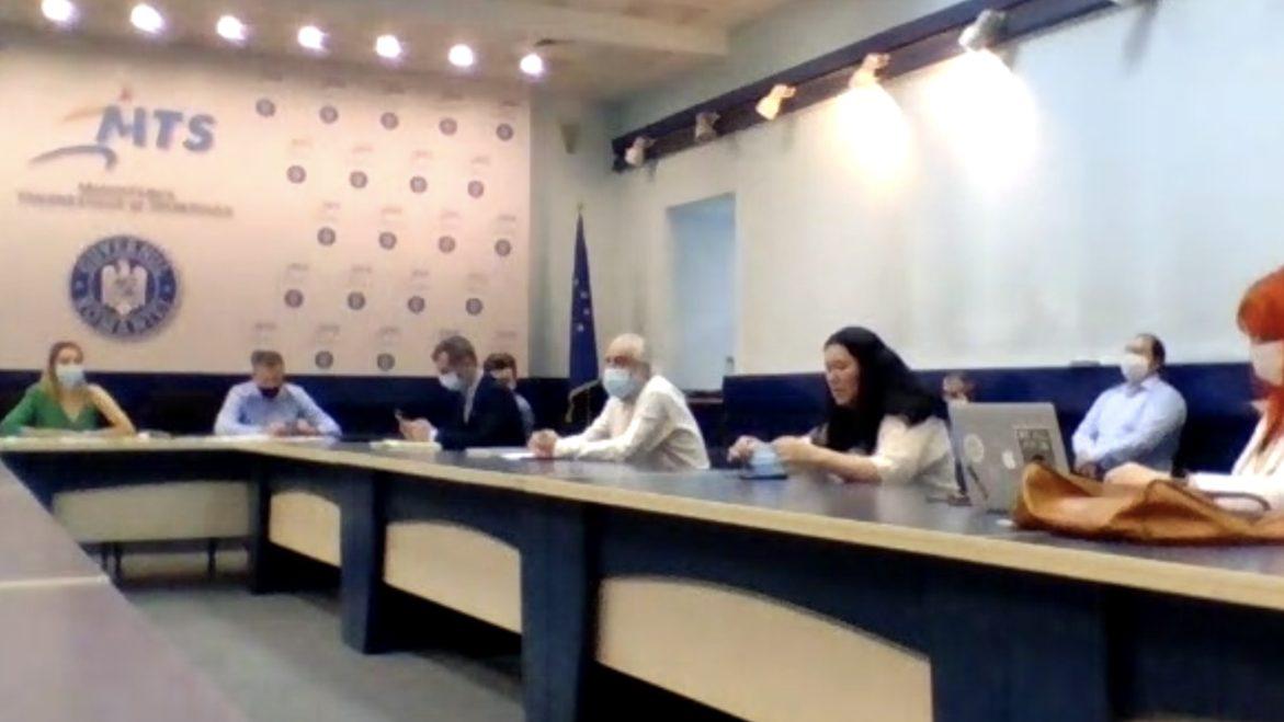 """O dezbatere de la Ministerul Tineretului și Sportului, deturnată de fundațiile pentru tineret și """"avocații"""" lor"""