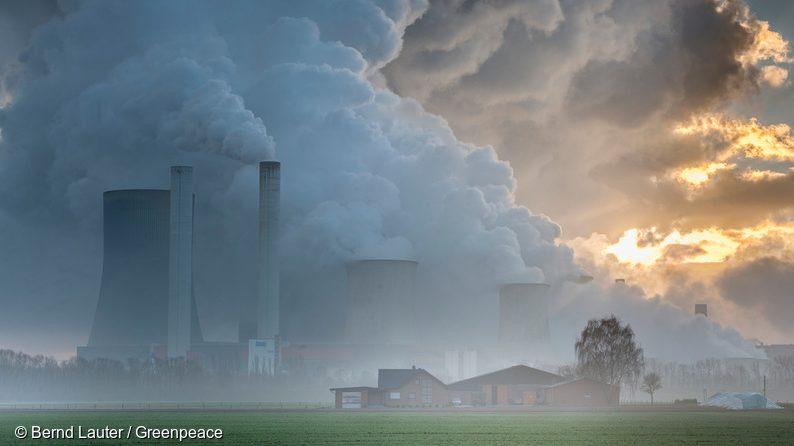 Cerem europarlamentarilor români să voteze joi pentru reducerea drastică a emisiilor de carbon