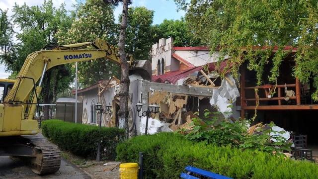 Ce a comis și ce nu a comis Nicușor Dan în povestea cu demolarea din Orășelul Copiilor