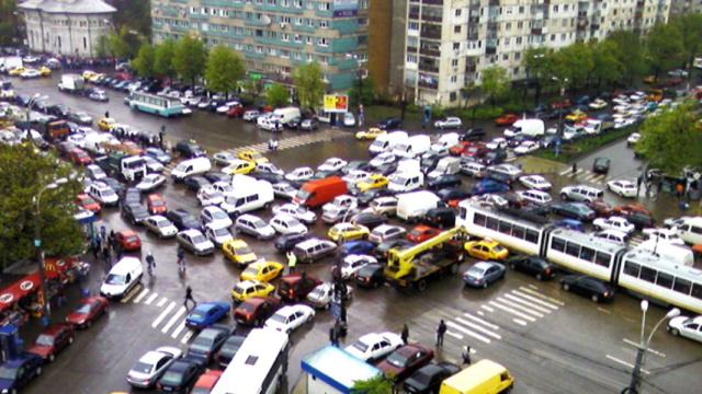 Cum rezolvăm cu traficul din București: cele 5 variante