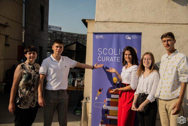 De ce NU avem burse sociale decente pentru elevii din România?